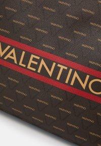 Valentino by Mario Valentino - BABILA - Bolso shopping - cuoio/multicolor - 3