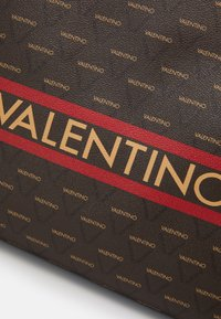 Valentino by Mario Valentino - BABILA - Torba na zakupy - cuoio/multicolor - 3