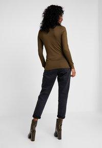 YAS - YASBLACE HIGHNECK - Bluzka z długim rękawem - beech - 2