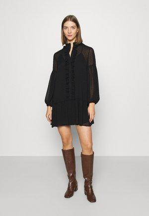 UMA DOBBY SMOCK DRESS - Denní šaty - black