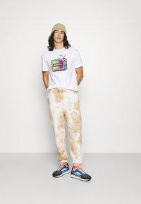 Brixton - SERVICE - Print T-shirt - white - 1