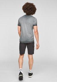 Q/S designed by - Basic T-shirt - grey - 2