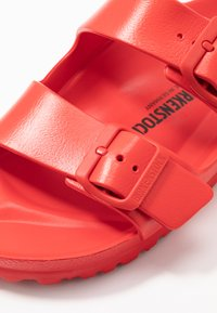 Birkenstock - ARIZONA - Sandály do bazénu - active red - 2