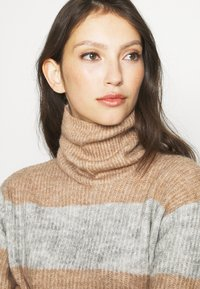 YAS - YASALLU STRIPE   - Jumper - light grey melange/tawny brown - 4