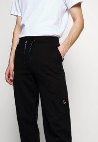 Raeburn - Pantaloni sportivi - black - 3