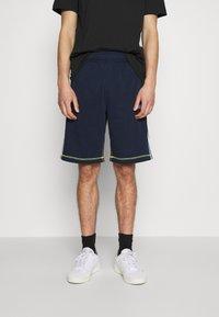 adidas Originals - Shorts - collegiate navy - 0