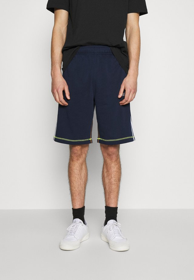 Shorts - collegiate navy