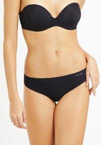 Calvin Klein Underwear - String - black - 0