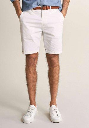 BRANDON - Shorts - weiß
