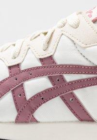 ASICS SportStyle - TARTHER - Sneakersy niskie - birch/purple oxide - 2