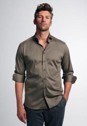 LANGARM MODERN FIT - Shirt - taupe