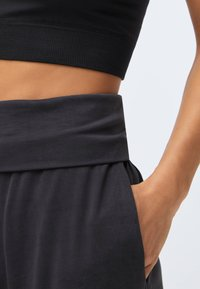 OYSHO - Trainingsbroek - dark grey - 3