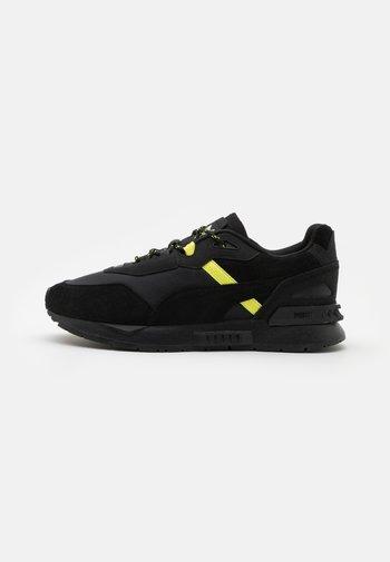 MIRAGE TECH X HH UNISEX - Sneakers laag - black
