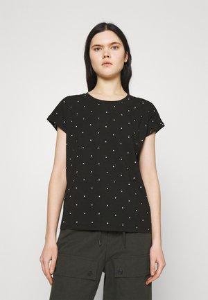 VMMARLIEAVA WIDE FIT - Print T-shirt - black