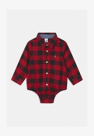 Shirt - modern red