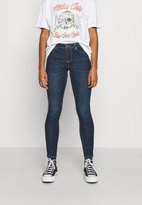 ONLY - ONLWAUW LIFE MID  - Jeans Skinny Fit - dark blue denim - 0