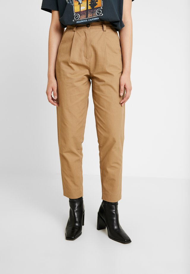 DEEDEE PANT - Trousers - camel