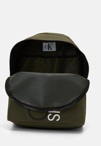 Calvin Klein Jeans - INSTITUTIONAL LOGO BACKPACK - Zaino - green - 2