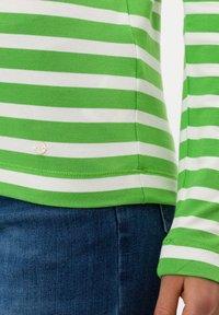 BRAX - STYLE CARINA - Long sleeved top - green - 4