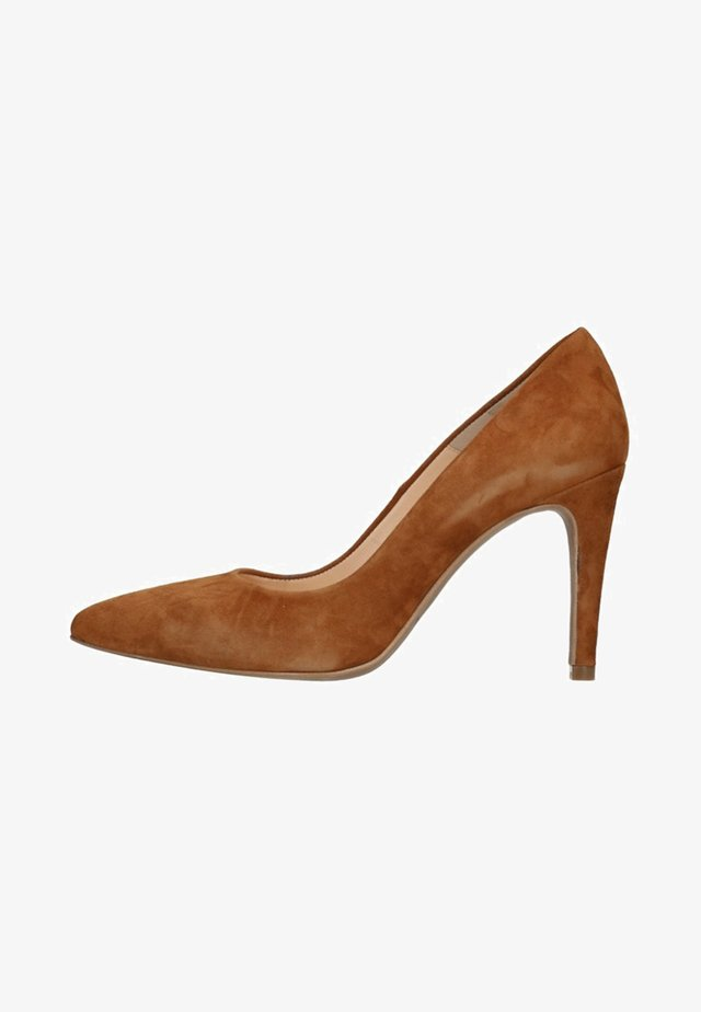 High heels - cognac