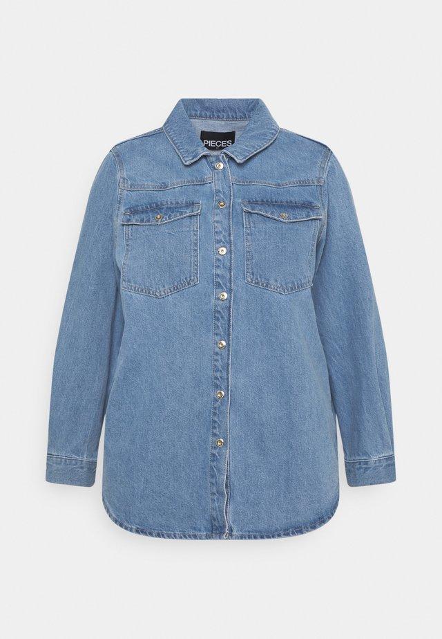 PCGRAY SHACKET - Veste en jean - light blue denim