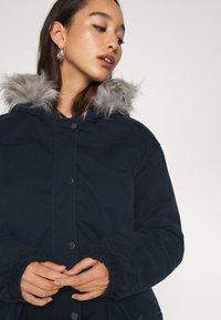Hollister Co. - Zimní bunda - navy - 7