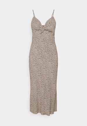 WIDE STRAP SLIP MIDI DRESS - Denní šaty - brown