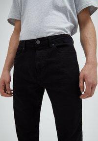PULL&BEAR - Straight leg -farkut - black - 3