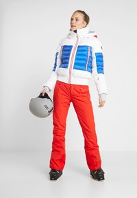The North Face - PRESENA PANT - Ski- & snowboardbukser - fiery red - 1