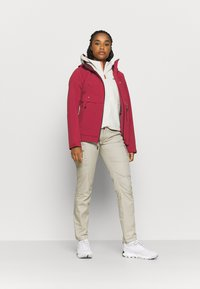 Columbia - BEACON TRAILSHELL - Ulkoilutakki - marsala red - 1
