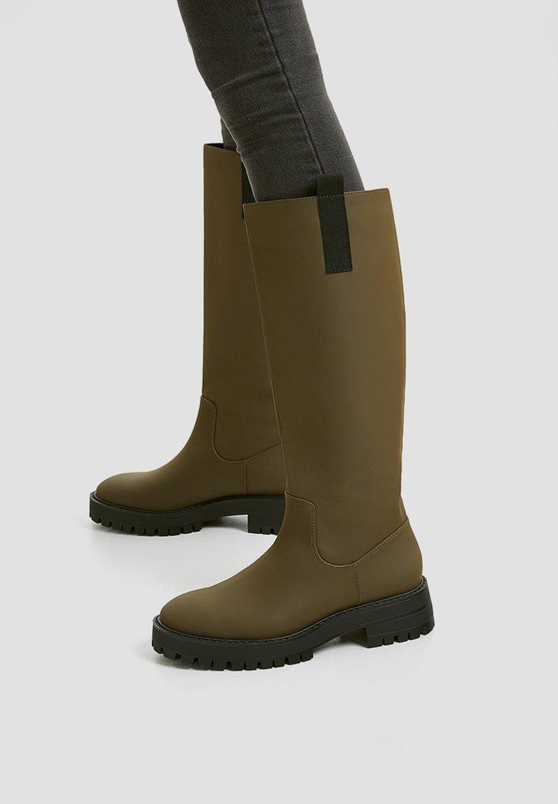 PULL&BEAR - Platform boots - khaki
