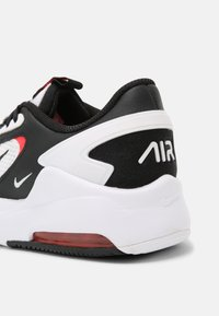 Nike Sportswear - AIR MAX BOLT BG UNISEX - Sneakers basse - white/black/bright crimson - 6