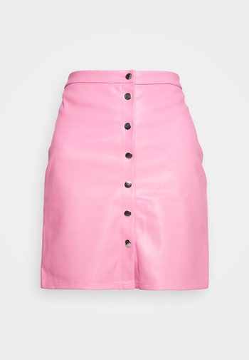 VIPEN BUTTON COATED SKIRT