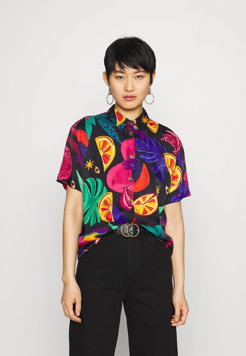 Farm Rio - MYSTIC JUNGLE SHIRT - Button-down blouse - multi