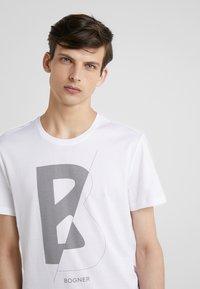 Bogner - ROC - T-shirt z nadrukiem - weiß - 4
