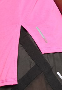 Puma - TRAIN PANEL TANK - Camiseta de deporte - luminous pink - 3