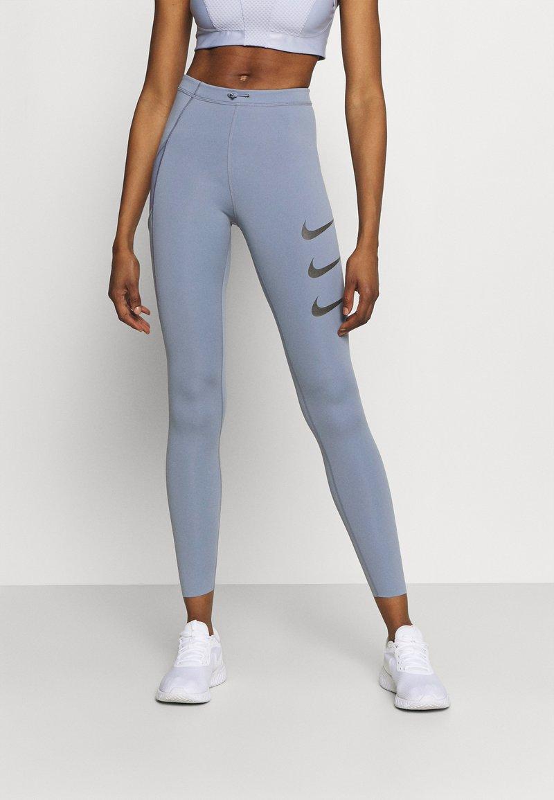 Nike Performance - RUN LUXE - Legging - ashen slate/black