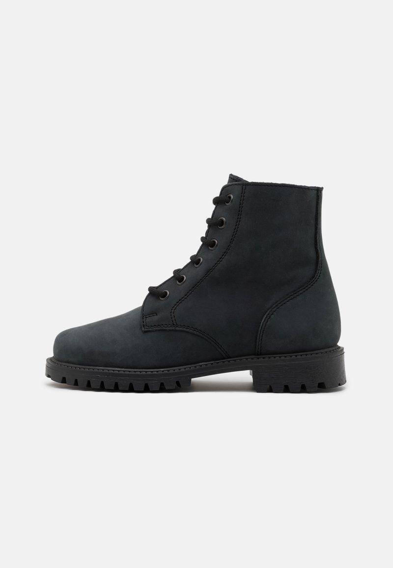 DECHASE - KEFF UNISEX - Lace-up ankle boots - black