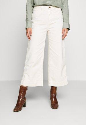 WIDE LEG SOLID - Spodnie materiałowe - ivory frost