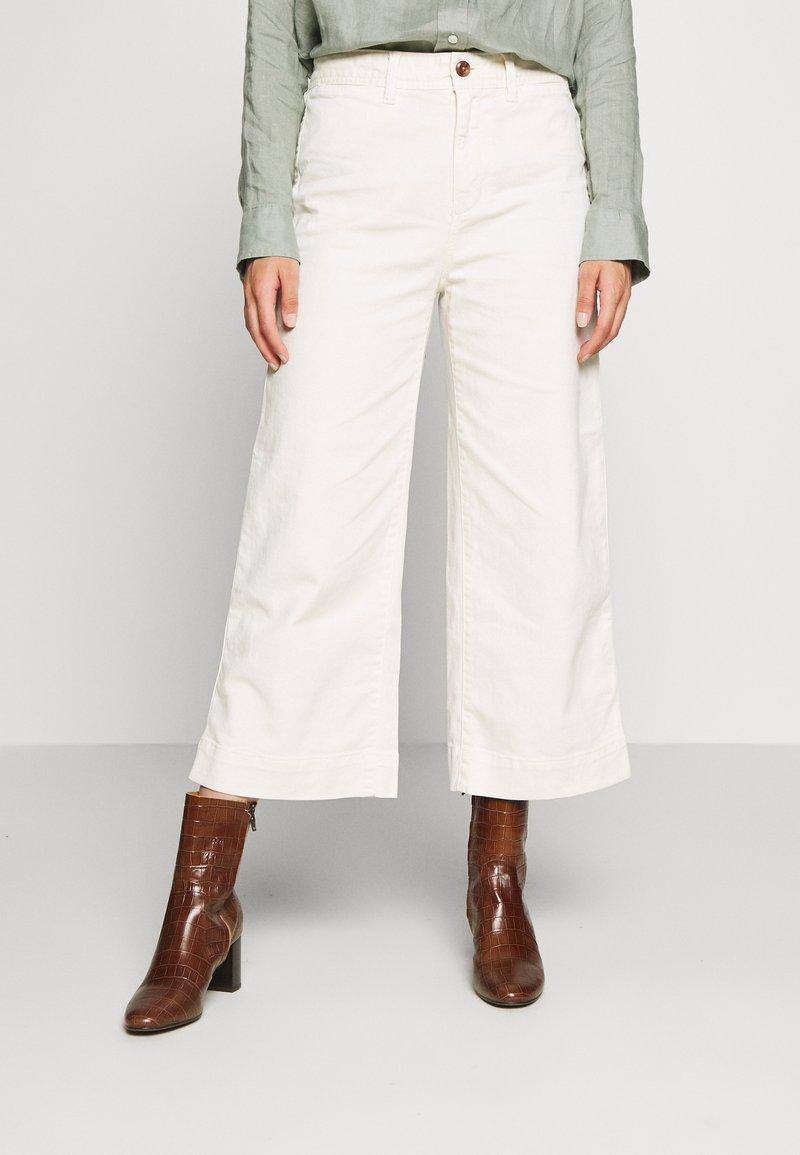 GAP Petite - WIDE LEG SOLID - Pantaloni - ivory frost