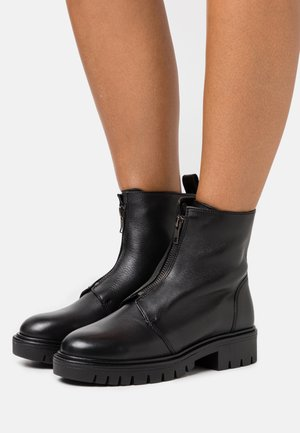 SYBILLE - Bottines - black