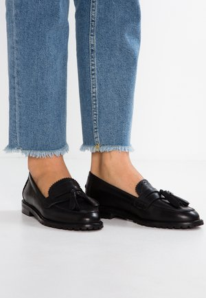 LEATHER FLAT SHOES - Mocasines - black