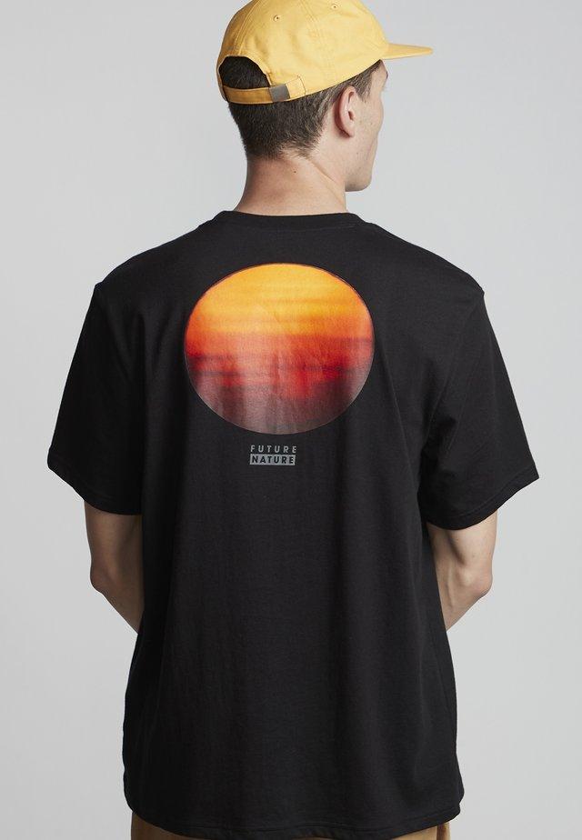 National Geographic Sun - Print T-shirt - flint black