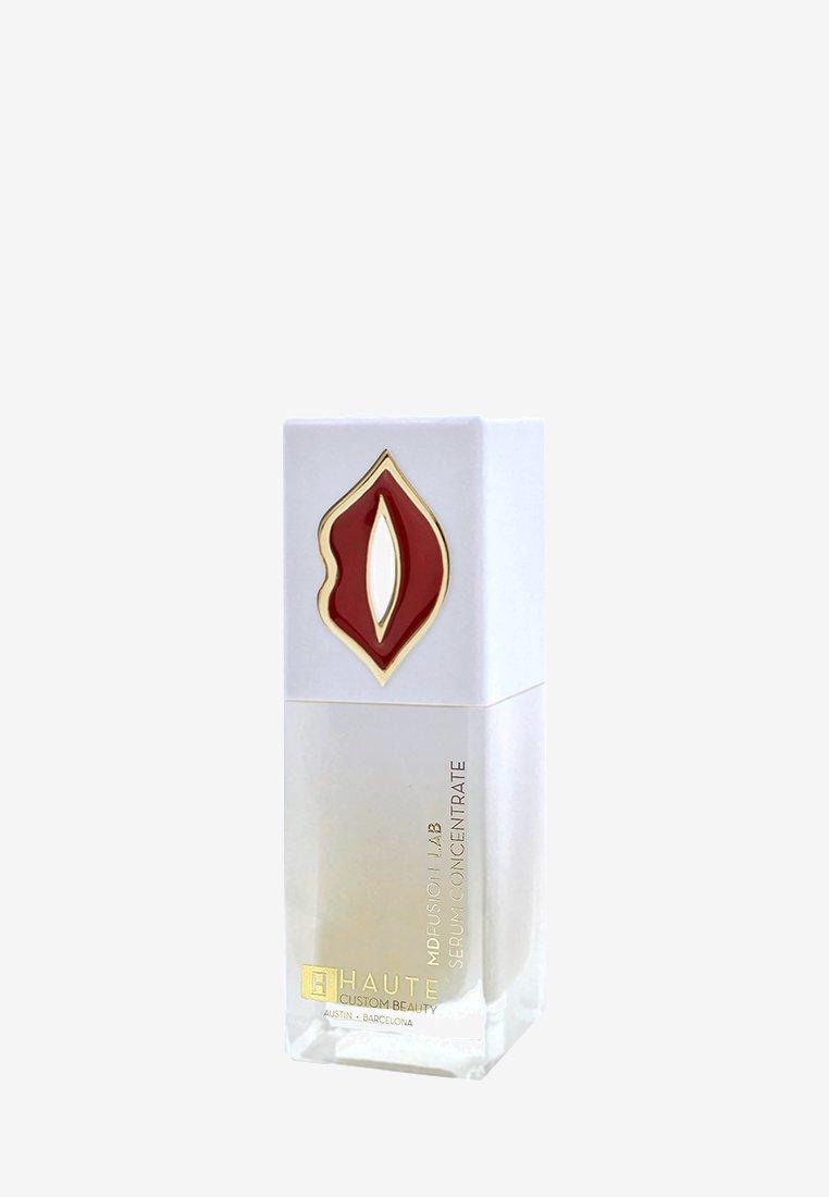 Haute Custom Beauty - FULL LIPS, PLUMP, SMOOTH & CONTOUR LIP SERUM CONCENTRATE - Lip plumper - -