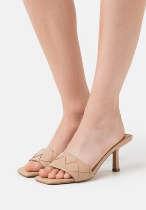 FRENZY - Heeled mules - tan