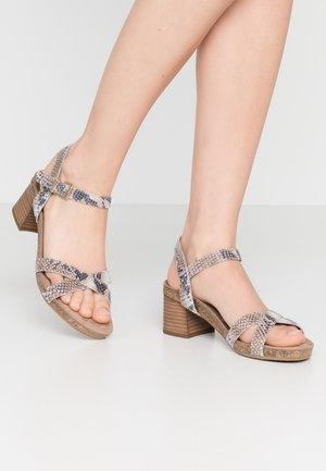 Sandals - shiny white