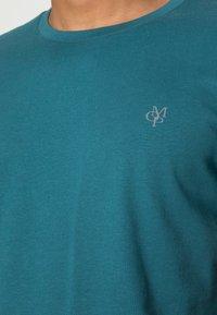 Marc O'Polo - Basic T-shirt - dragon fly - 4