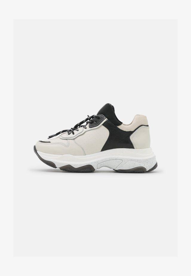 BAISLEY - Sneakers - off white/black