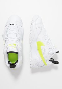 Nike Sportswear - AIR BARRAGE - Trainers - white/volt/black - 1