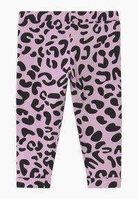WAUW CAPOW by Bangbang Copenhagen - SWEET KNEES - Leggings - Trousers - purple - 1